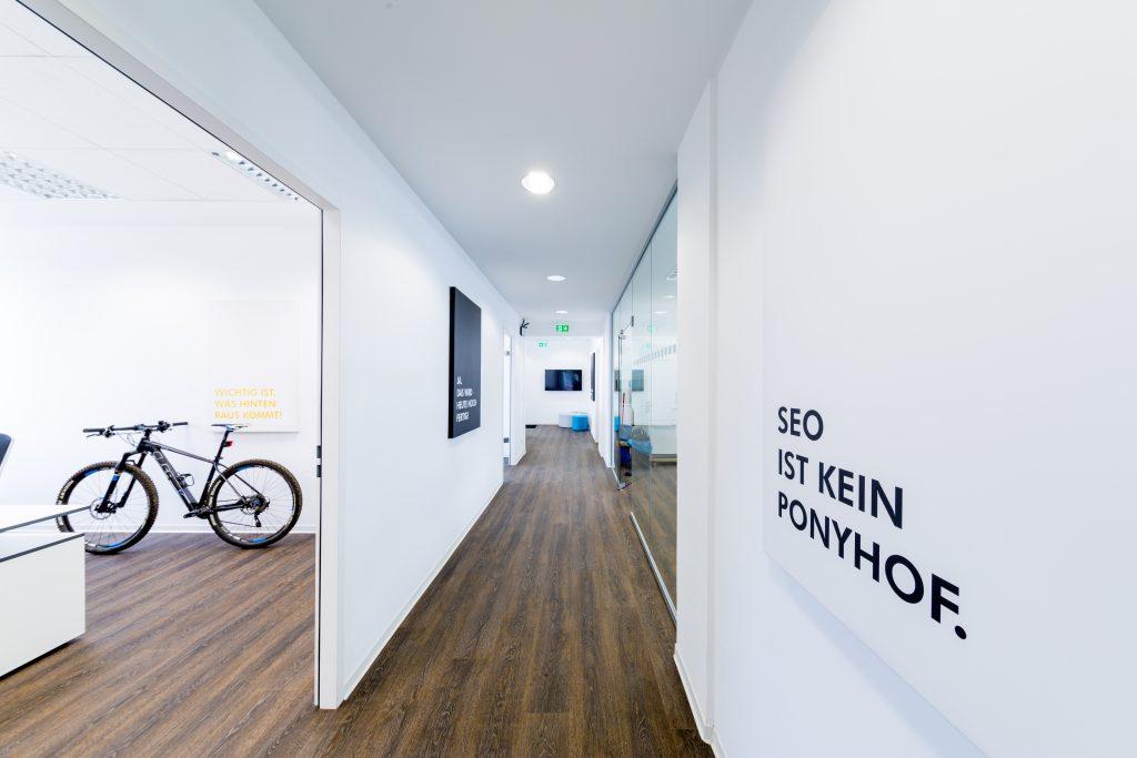 naetigo-agency-floor
